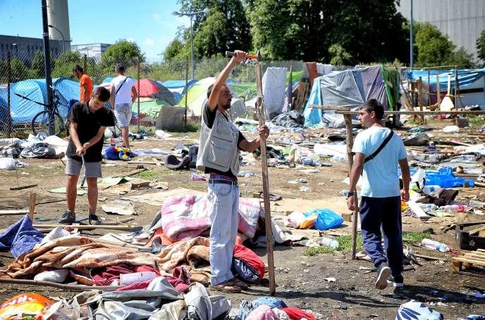 Dans le camp de Blida, à Metz, le 13 juillet.