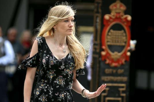 Connie Yates, la mère de Charlie Gard, 11 mois, arrive à la Cour royale de justice à Londres, le 26 juillet. Un juge doit y décider où son bébé terminera ses jours.