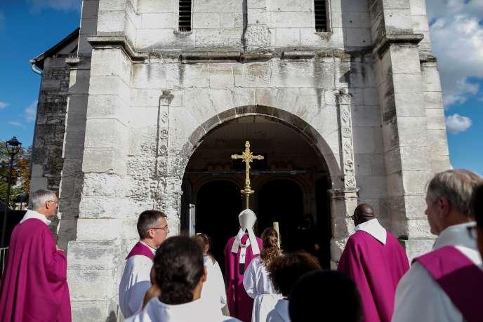 Réouverture de l'église de Saint-Etienne-du-Rouvray (Seine-Maritime), le 2 octobre 2016.