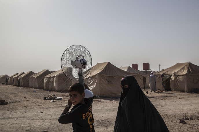 Dans le camp de déplacés d'Amriyat Al-Fallouja, situé à 15 km au sud de la ville de Fallouja, en juin 2016.