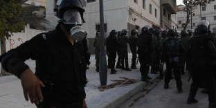 Les forces de l'ordre à Al-Hoceima, au Maroc, le 20juillet 2017, lors d'une manifestation du mouvement contestataire Hirak.