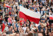 «Nous savons ce que la Pologne nous apporte, nous avons pu apprécier, ces vingt-cinq dernières années, son rayonnement politique et culturel, son dynamisme économique, son courage, son imagination, sa créativité. Elle a contribué avec conviction et intelligence à la construction d'une nouvelle Europe, aujourd'hui en danger». (Photo : A Szczecin, en Pologne, le 27 juillet lors d'une manifestation contre la réforme de la justice).