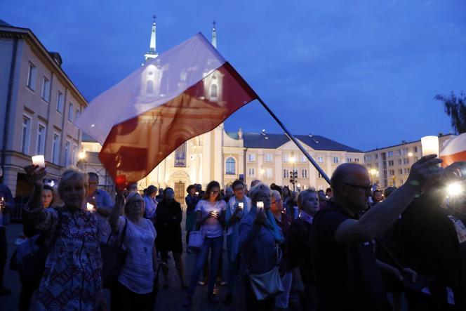 Manifestation contrela loi sur la réforme du système judiciaire polonais, à Varsovie (Pologne), le 27 juillet.