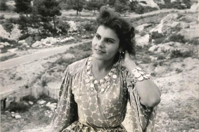 Marie-Josèphe Yoyotte en gitane sur le tournage du testament d'Orphée de jean Cocteau.