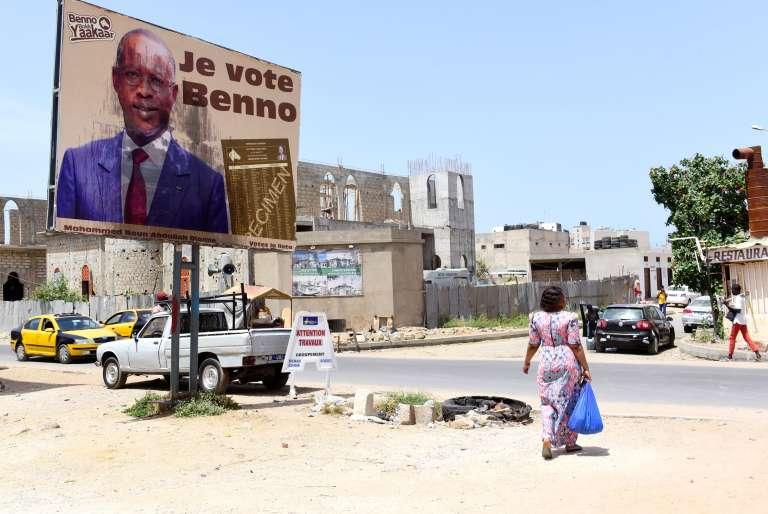 Une affiche de campagne pour Benno bokk yaakaar, la coalition au pouvoir du premier ministreMahammed Boun Abdallah Dionne, dans les rues de Dakar.