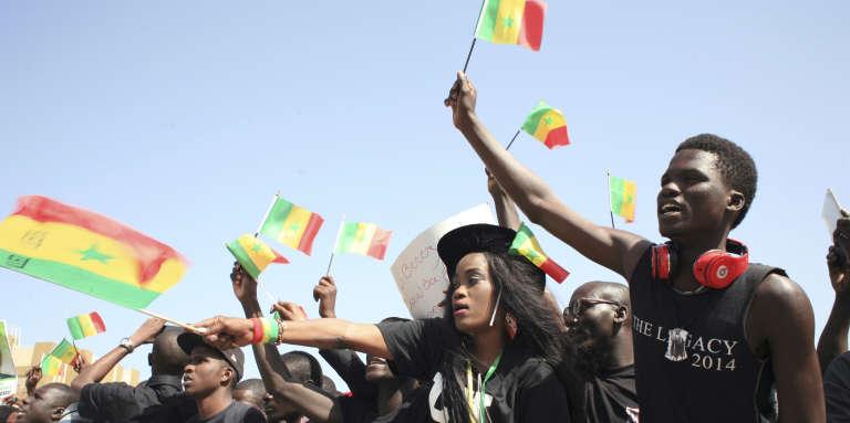 Des Sénégalais manifestent contre le président Macky Sall, à Dakar, le 7avril 2017.