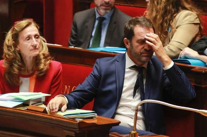 Nicole Belloubet et Christophe Castaner, lors d'un débat sur la loi de moralisation de la vie publique, à l'Assemblée, le 28 juillet.