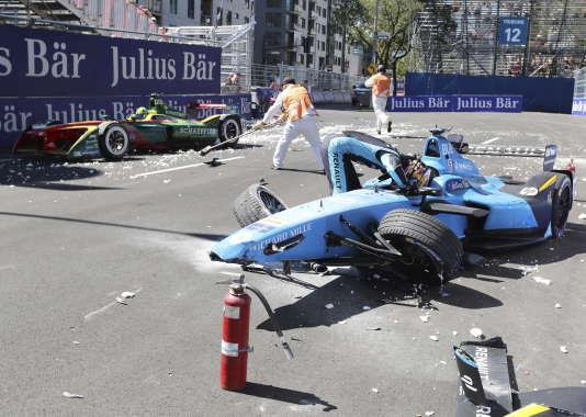 Accident spectaculare le 29 juillet à Montréal pour le pilote eDams-Renault Sébastien Buemi, qui perd toute chance de conquérir le titre mondial.