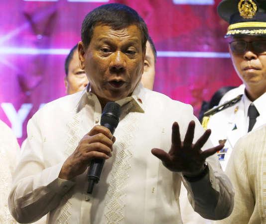 Le président philippin, Rodrigo Duterte, mène une guerre sans merci contre lestrafiquants de drogue.