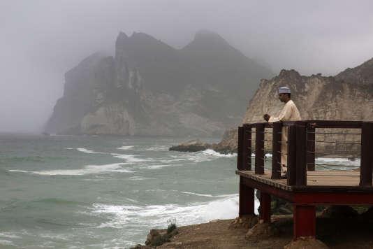 Le 30 juillet, sur la côte rocheuse près de Salalah, battue par les flots pendant la mousson d'été.