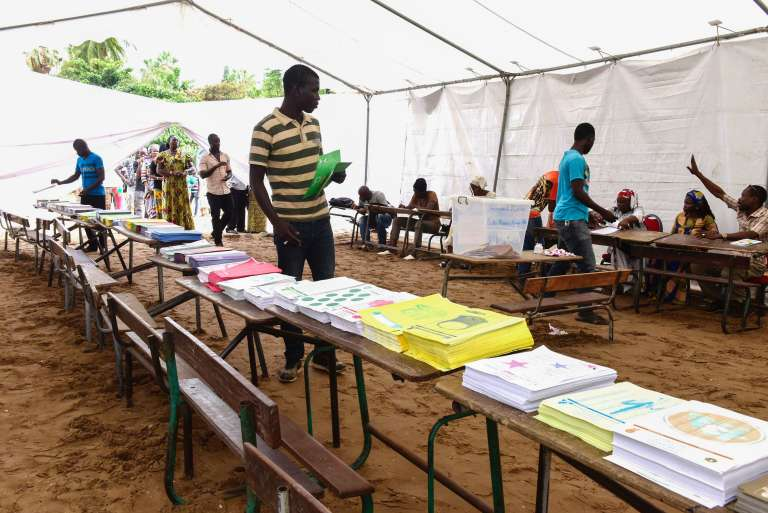 Un bureau de vote au Sénégal, dimanche 30 juillet. / AFP / SEYLLOU