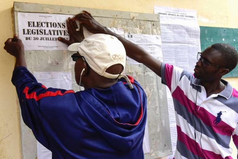 Selon des résultats officiels communiqués par l'agence de presse sénégalaise, la coalition du président obtient 125 sièges de députés sur les 165. Les élections législatives avaient lieu le 30 juillet 2017.AFP / SEYLLOU