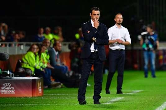 L'avenir d'Olivier Echouafni à la tête des Bleues est-il en suspens ?