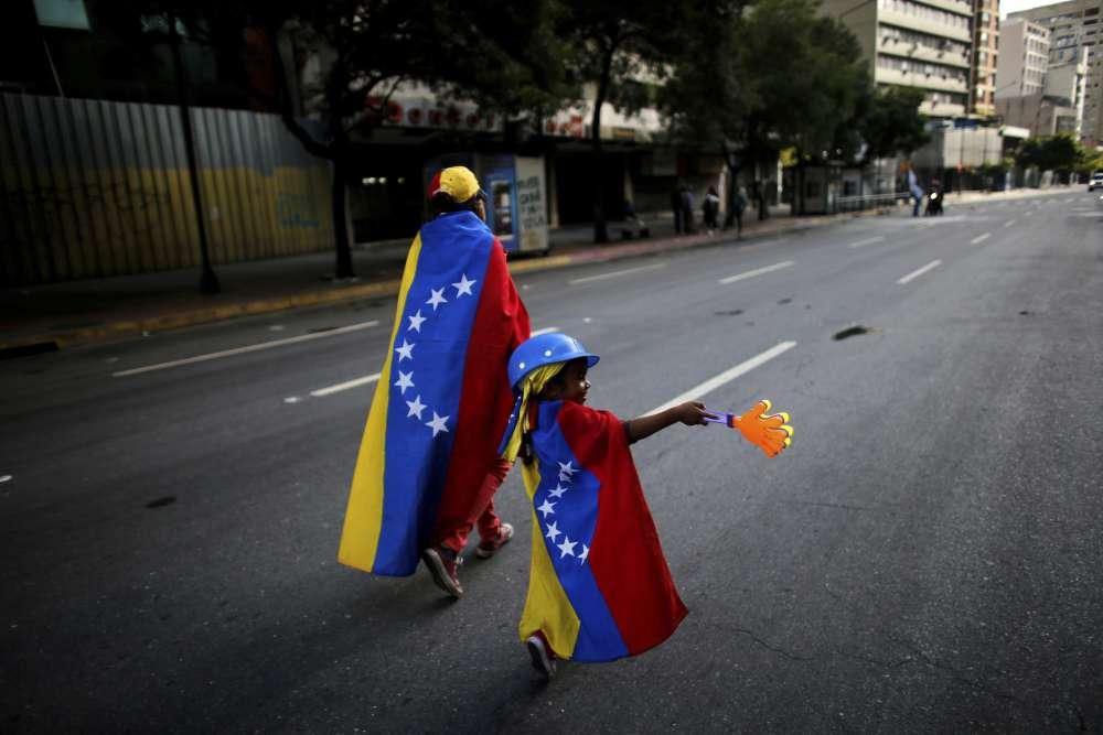 L'opposition a déjà appelé à de nouvelles manifestations ces lundi et mercredi, jour de la mise en place de la nouvelle Assemblée constituante.