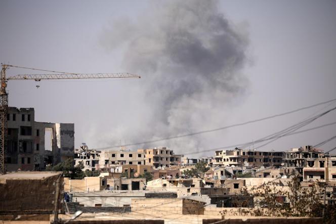 """«L'opération """"Colère de l'Euphrate""""lancée il y a huit mois n'a pas été improvisée. Les frappes aériennes, comme les combats au sol sont intensifs; la population civile est prise au piège de Rakka, personne ne nie cette évidence». (Photo : Rakka, en Syrie, le 31 juillet)."""