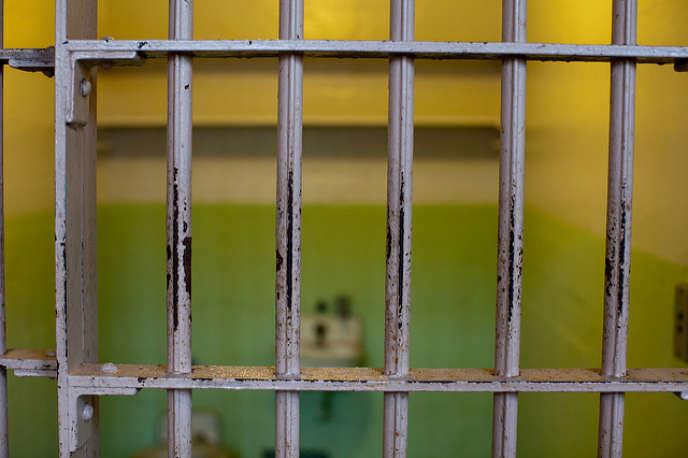 «Bien que les questions de sécurité restent prégnantes, la CGT pense qu'il faut avoir le courage de poser publiquement la question des alternatives à l'incarcération et des aménagements de peine pour les peines les plus courtes».