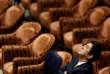 «Pour l'instant, M. Abe ne change rien à ses objectifs politiques, notamment la mise en œuvre de la révision de la Constitution de 1947 destinée à permettre au Japon de recouvrer sa pleine souveraineté militaire». (Photo : Le premier ministre japonais Shinzo Abe lors d'une session au Parlement, à Tokyo, en février 2015).