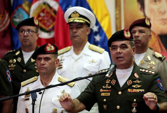 Le ministre de la défense vénézuélien, Vladimir Padrino, lors d'une conférence de presse le 1er août 2017.