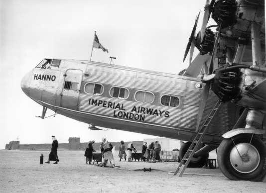 En 1934, un « Hanno » de l'Imperial Airways sur le tout jeune aérodrome Al-Mahatta.
