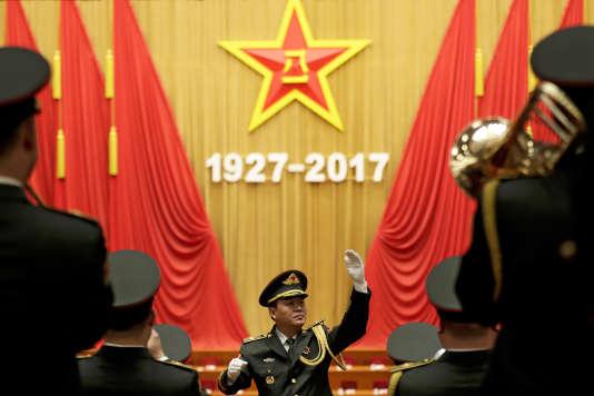 Un orchestre militaire, pour le 90e anniversaire de la création de l'Armée populaire de libération, le 1er août au Palais du peuple, à Pékin.