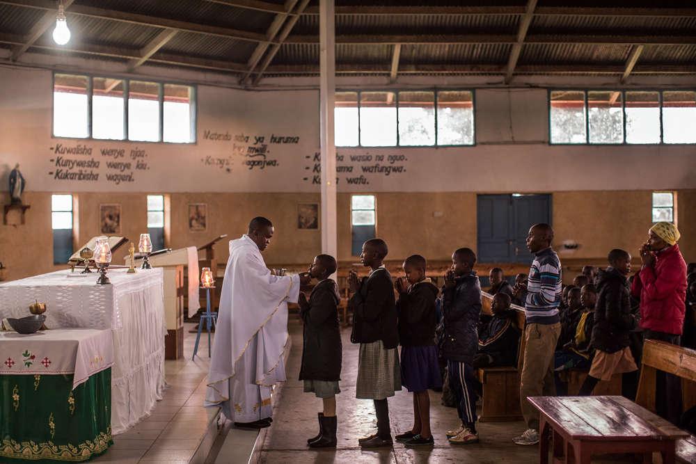 L'église Saint-Patrick, de Burnt Forest.A l'approche des élections, le père Francis Mbunguatente d'apaiser les esprits.