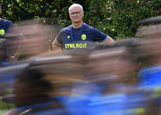 Passé par Monaco, Claudio Ranieri est revenu dans le championnat de France pour entraîner Nantes. Entrte temps il a remporté la Premier League anglaise avec Leicester / AFP PHOTO / DAMIEN MEYER
