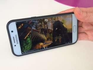 «The Witcher 3» sur téléphone, c'est possible.