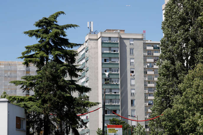 Un immeuble HLM à Saint-Denis (Seine-Saint-Denis), le 21 juillet.