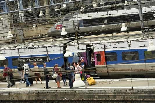 Sur les quais de la gare de Paris-Montparnasse, le 1er août.