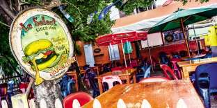 Le Select, créé en 1949, est le plus vieux bar-restaurant de l'île