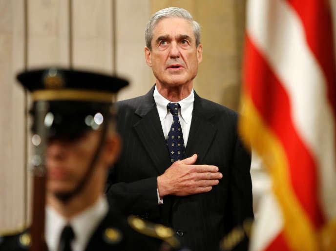 Le procureur spécial Robert Mueller, lors de son départ du FBI, le 1er août 2013.