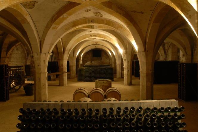 Le cellier aux moines du XIIesiècle de Colombé-le-Secoù sont élevés les champagnes.