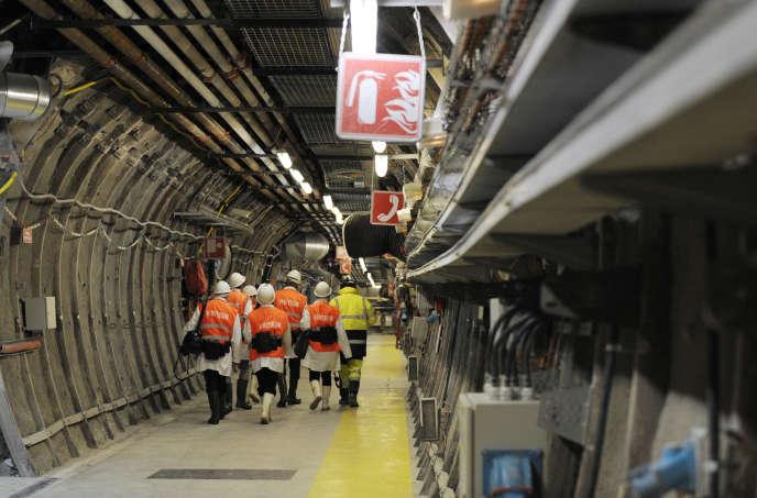 Le Cigéoest destiné à enfouir, dans le sous-sol argileux de la commune de Bure (Meuse), les 85000mètres cubes de déchets radioactifs.