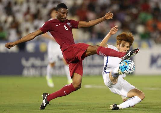 Le 13 juin 2017, à Doha. Lors du match de qualification pour la Coupe du monde 2018 entre le Qatar (en bordeaux) et la Corée du Sud.