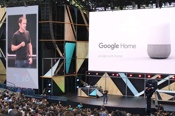 Lors de la présentation de Google Home, en mai 2016, à Mountain View (Californie).