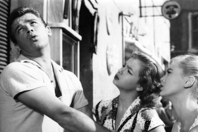 Renato Salvatori,Lorella De Luca et Marisa Allasio dans « Belles mais pauvres » (1957), de Dino Risi.