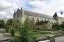 Emma, la fondatrice de l'abbaye, aurait été enterrée dans l'église, et reposerait donc aujourd'hui sous la vigne.