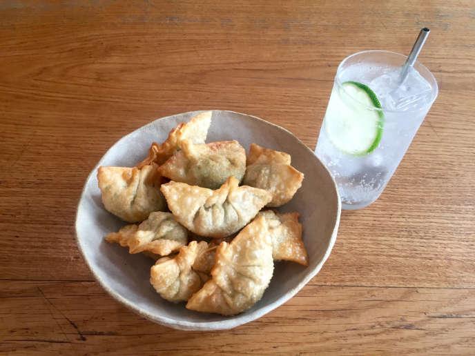 Gyoza frits et gin tonic, l'apéro japonais revisité par Taku Sekine.