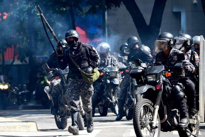 Les affrontements entre la police et les manifestants de l'opposition sont fréquents dans les rues de Caracas.