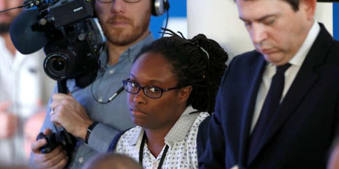 Sibeth Ndiaye, chargée des relations presse d'Emmanuel Macron, le 28mars 2017, lors de la campagne présidentielle, à Paris.