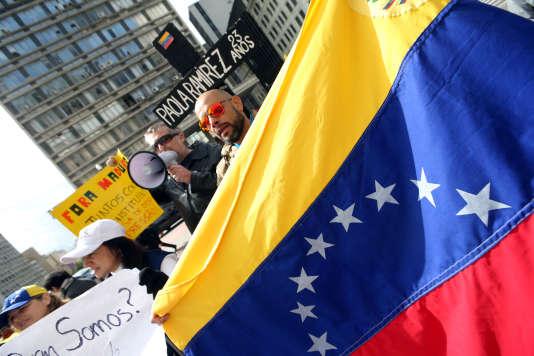 Manifestation contre le régime de Nicolas Maduro, en marge du sommet du Mercosur, à SaoPaulo, Brésil, le 5 août 2017.
