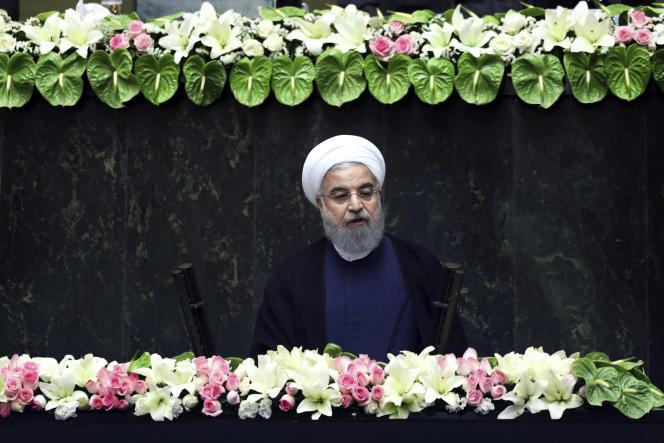 Le président iranien, Hassan Rohani, s'exprime devant le Parlement après avoir prêté serment, le 5 août 2017, à Téhéran.