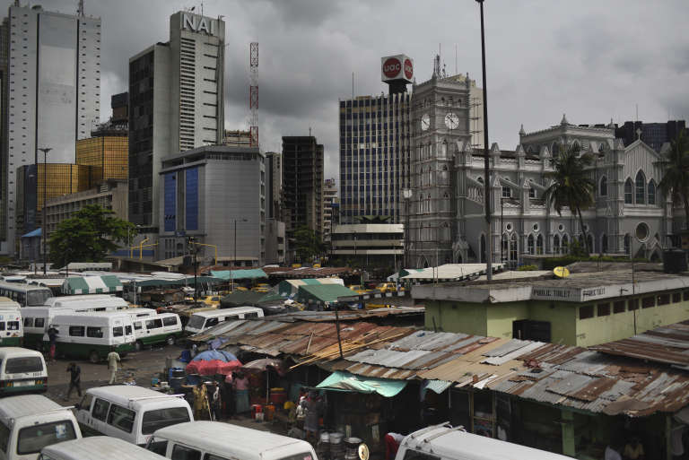 L'attaque a eu lieu dans une église située à 300 kilomètres de Lagos, la capitale économique du Nigeria.