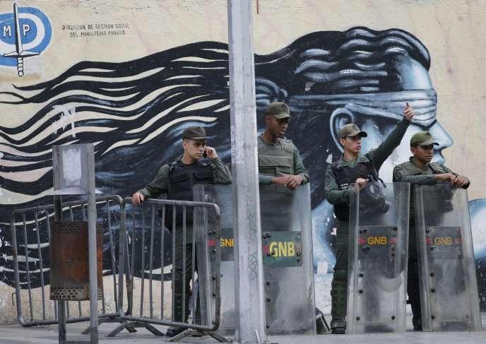 Devant les bureaux de la procureure générale à Caracas le 5 août.