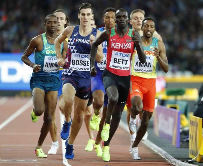 Pierre-Ambroise bosse lors des demi-finales du 800 mètres des Mondiaux de Londres, dimanche 6 août.LUCY NICHOLSON / REUTERS