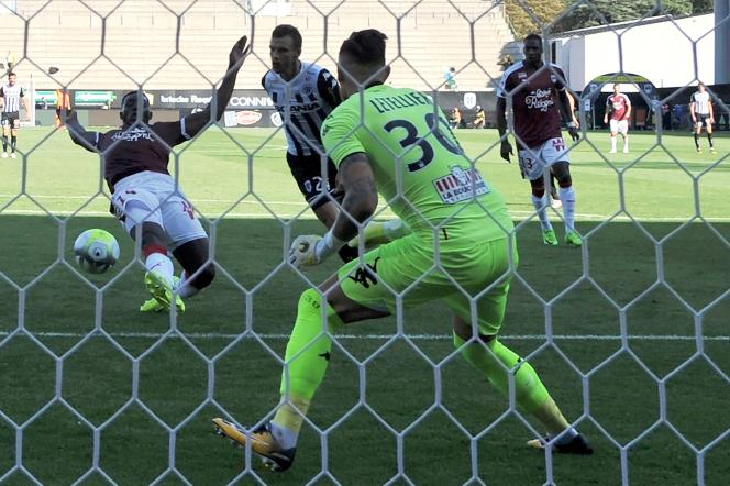 Alexandre Mendy a marqué le deuxième bordelais face à Angers.