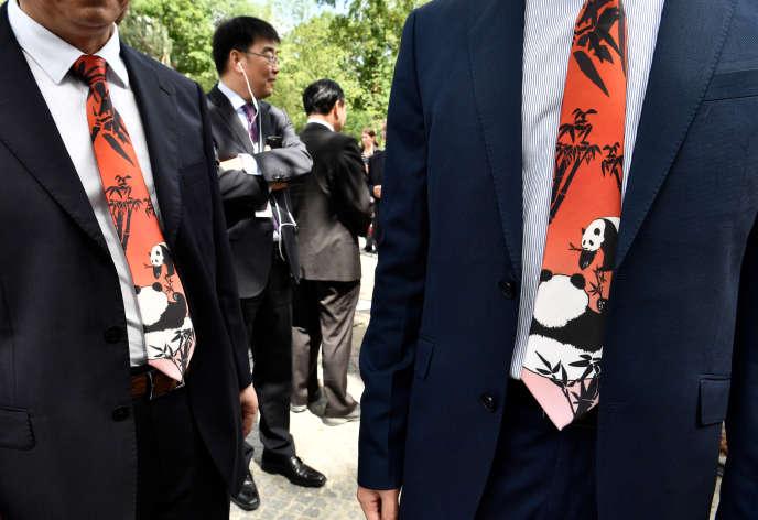 Cérémonie pour accueillir le prêt par la Chine de deux pandas, au zoo de Berlin (Allemagne), le 5 juillet.