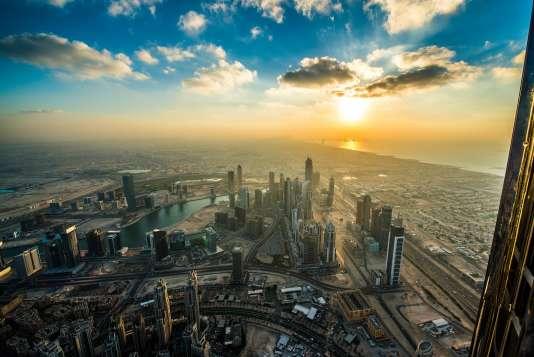 Vue sur Dubaï, depuis la Burj Khalifa, en novembre 2015.