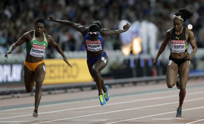 L'Américaine Tori Bowie a remporté le 100m devant Elaine Thompson, aux Mondiaux d'athlétisme de Londres, le 6 août.