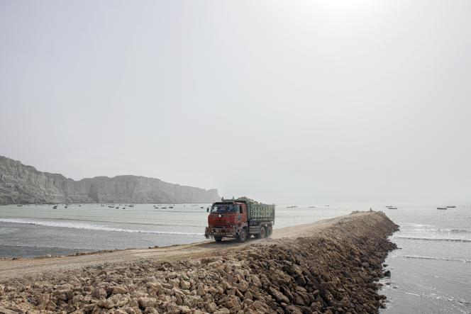 Travaux d'aménagement dans le port de Gwadar, au Pakistan.